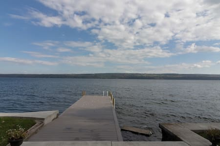 Gorgeous Lakeside Views & Sunrises on Seneca Lake