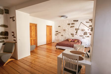 Authentic Medieval Studio in Old Town w/ comfort