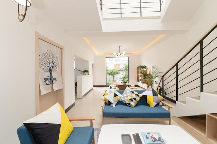 【曦悦*LIMI】大理古城内白族特色房屋,简约,舒适,干净,温馨,三间套房包含观影星空大床房