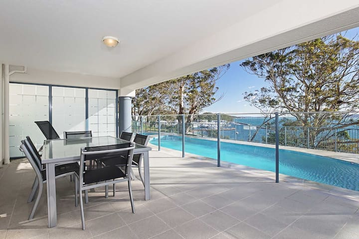 13 'Le Vogue' 16 Magnus Street - close to the Marina and beautiful views of Nelson Bay Marina