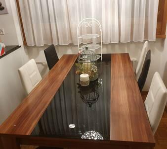 kleines seperates Zimmer mit Gästebett