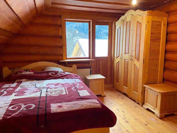 Двохмісний номер  в дерев'яному котеджі