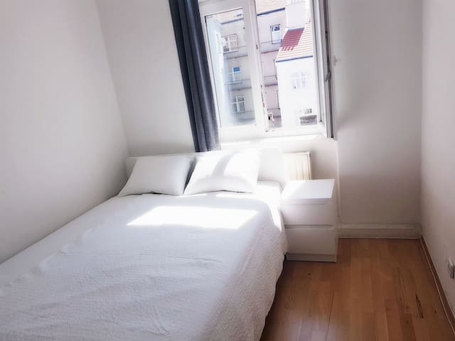 double room near Westbahnhof&City1
