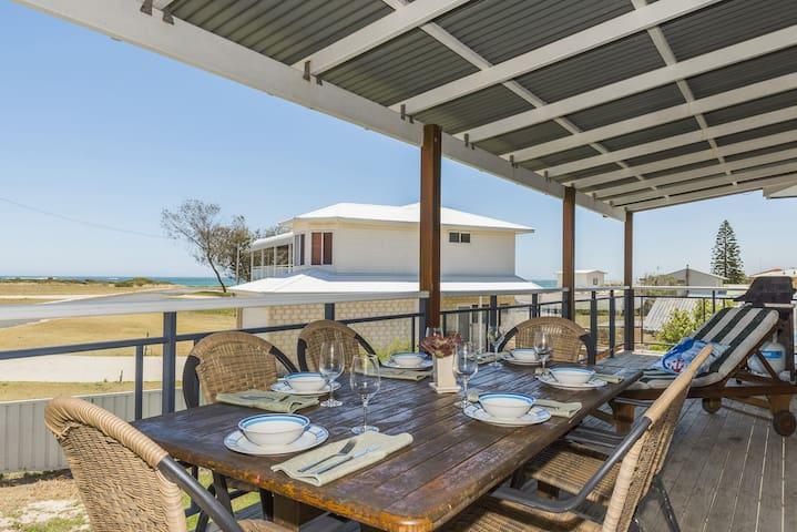 Beach Break - Family Accommodation with Ocean Views
