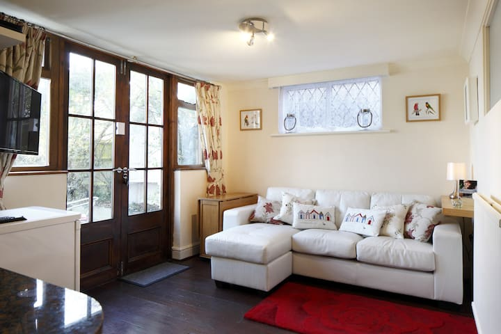 Dolphin Cottage - Shoreham-by-Sea - Bungalov