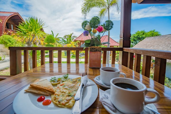3 Wooden Cabins with Garden View & Tasty Breakfast