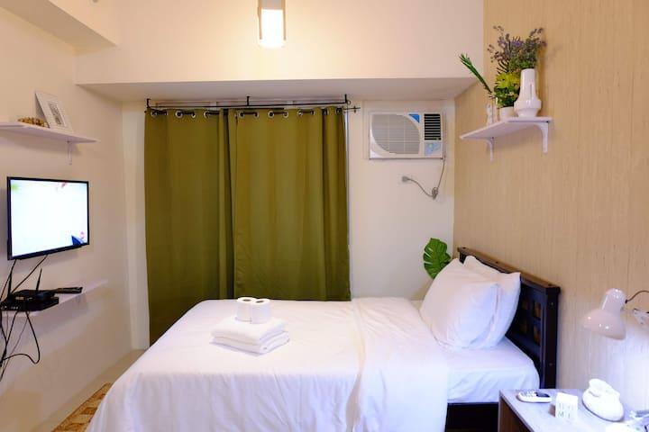 Cozy studio at the heart of Makati near Greenbelt
