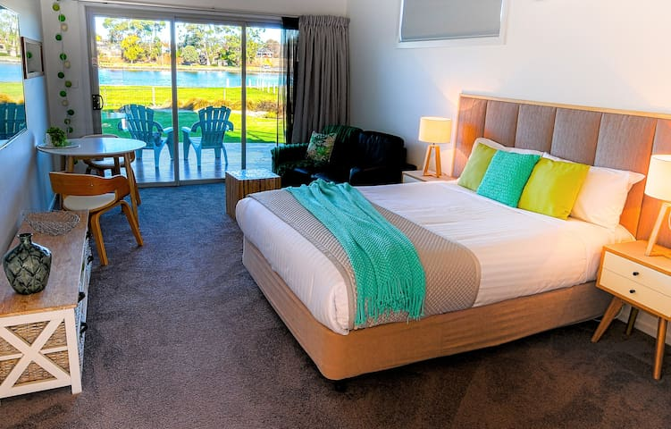 Ulverstone River Edge Holiday Apartments No 1