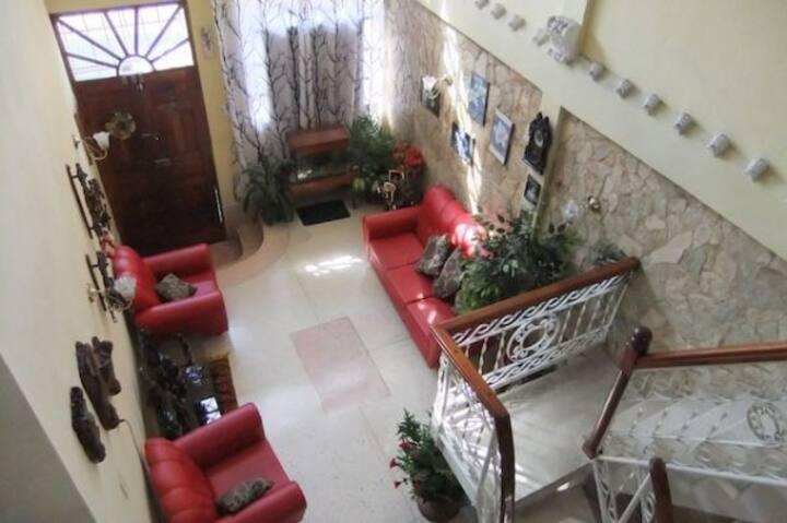 Hostal Yuliett SC (Bedroom 1)