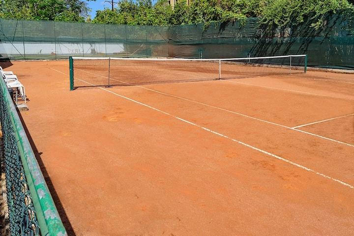 "Villa ""Marisa"" - Jacuzzi - Tennis - FIESTA (6pax)"