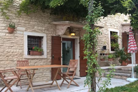 Pleasant rural house - Sant'Anna d'Alfaedo - 一軒家