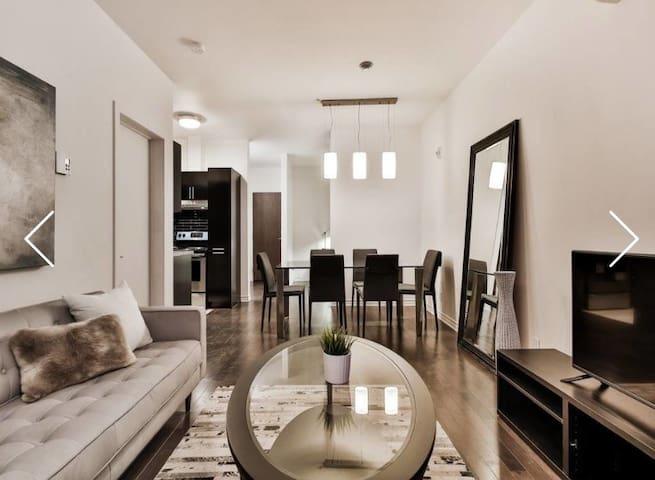 Luxury Modern Condo Downtown MTL+ Free Parking - Montreal - Apto. en complejo residencial