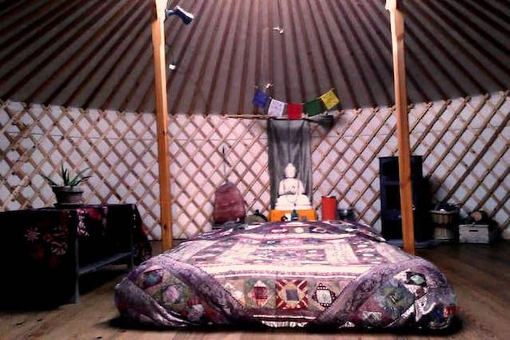 Spacious yurt in the countryside - Cretas - Jurtta