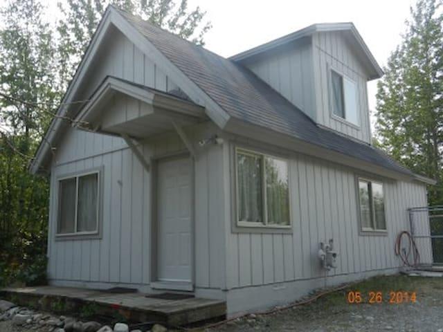 Wasilla Corporate Apartments/Cabin - Wasilla - Houten huisje