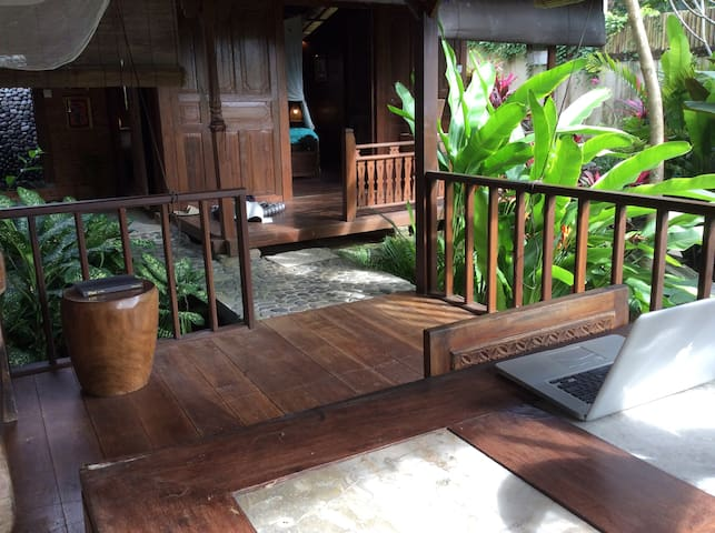 Ubud total privacy jungle view wood home deluxe!