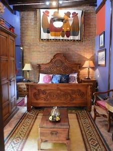 Gennuine Mexican Hacienda: Blue Room - Mazatlán