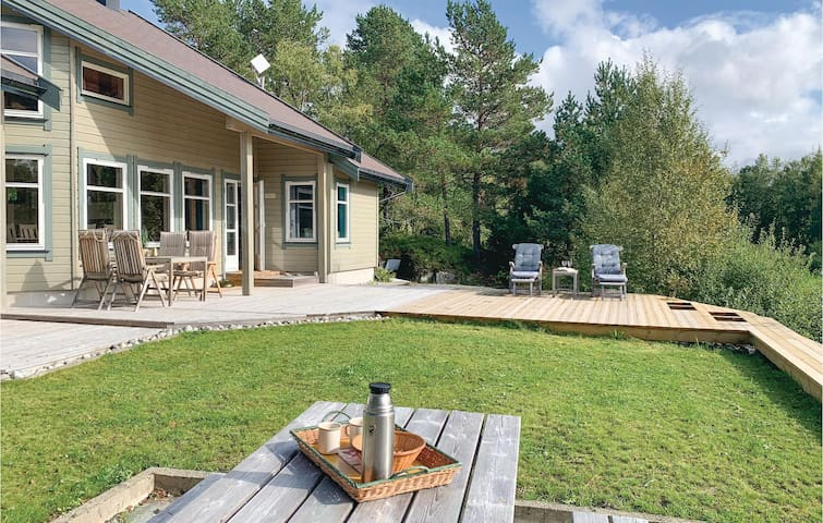 Holiday cottage with 3 bedrooms on 100m² in Bjugn
