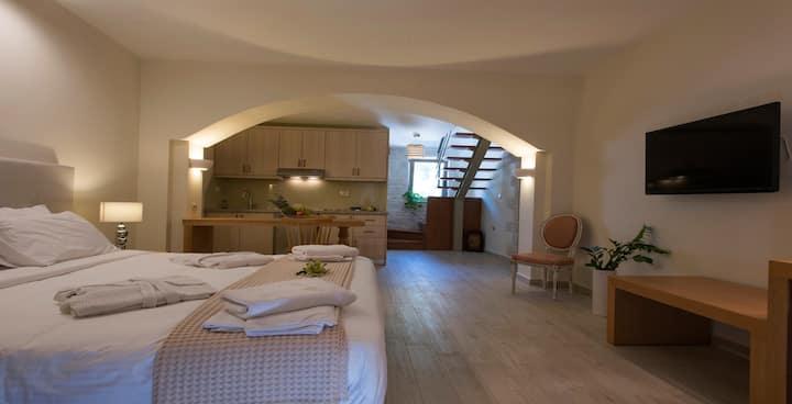 Ariadne Deluxe 2 bedroom Apartment