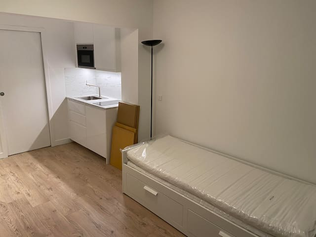 Studio 19m² completely renovated next to parks