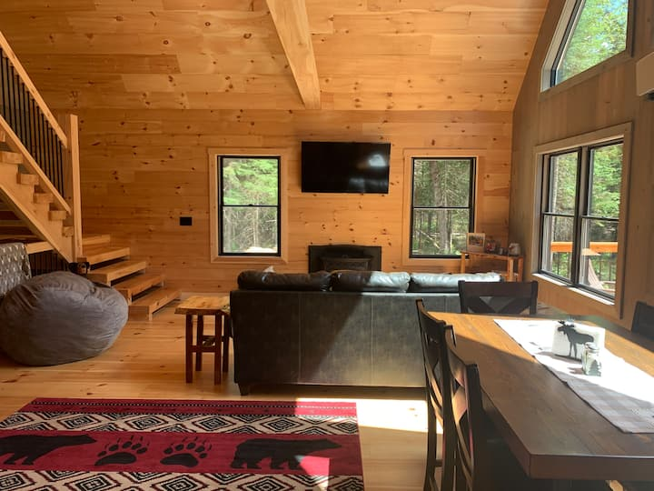 Modern Camp in Eustis-10 min to Sugarloaf