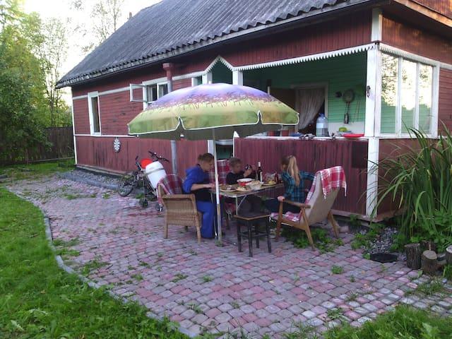 1\2 Дома 55 мин. от Невского просп. - Mga - Talo