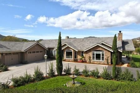 Large, Luxurious & Well Equipped in Fabulous SLO - San Luis Obispo