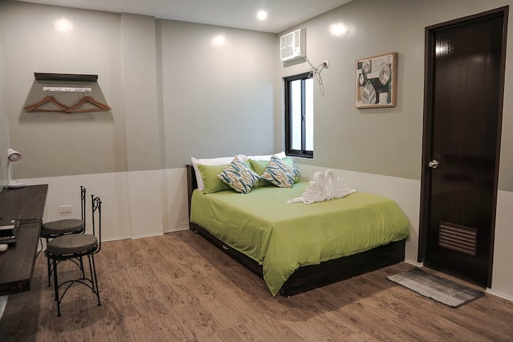Comfortable Studio Apartment in Makati