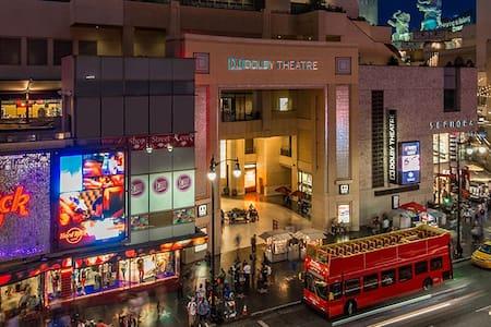 Luxury 2 Story Loft - Hollywood Walk of Fame - Los Angeles
