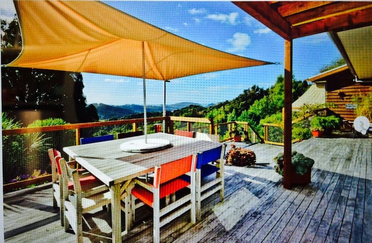 The Ridge Luxury Country Lodge - Puhoi