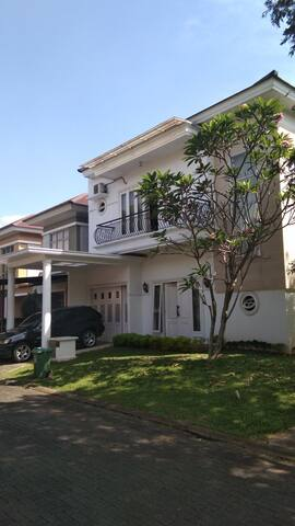 3 rooms in Foresta gated community villa in BSD