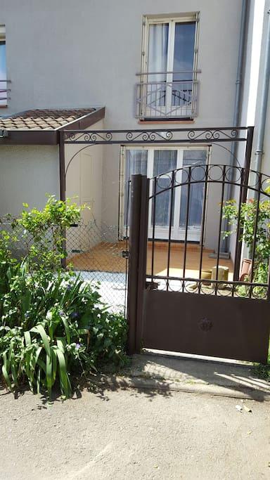 Logement entier triplex toulouse nord maisons louer for Maison aucamville
