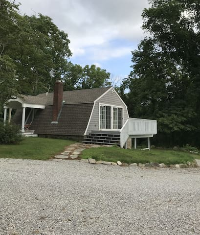 A Clever Cottage in East Haddam