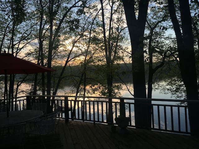 Lake front house with amazing views - Hawley - Casa