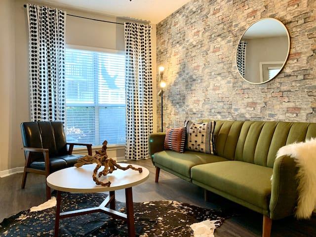 Luxury Buckhead Onebedroom Industrial Style Suite