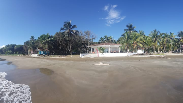 Playa Alta House, Away from everything