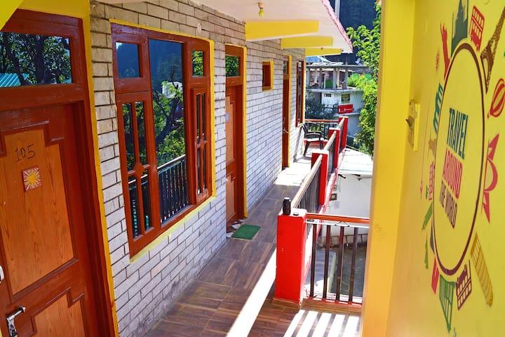 WoodRose !! Sweetest Homestay Near Kasol Market