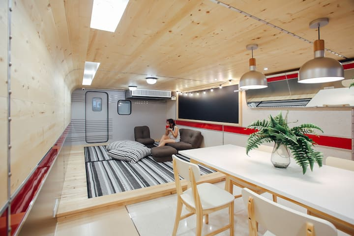 Private Room with Shared Bathroom near Khaosan