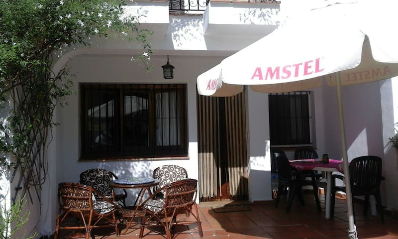 Two double rooms in shared house - Denia - Casa