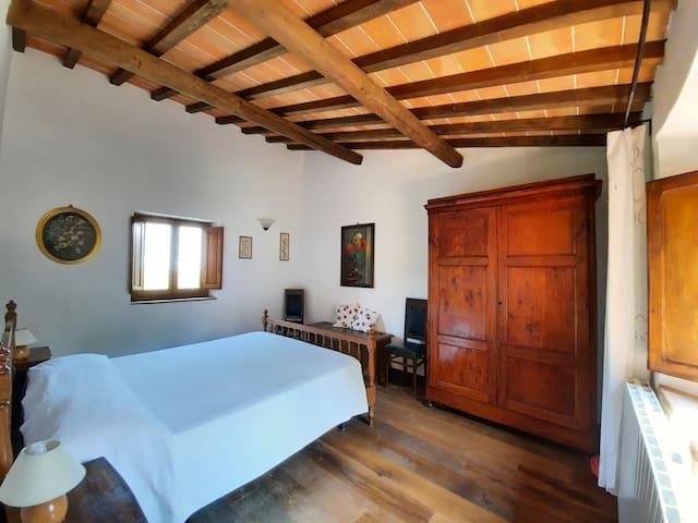 Camera matrimoniale, primo piano - Double bedroom, first floor