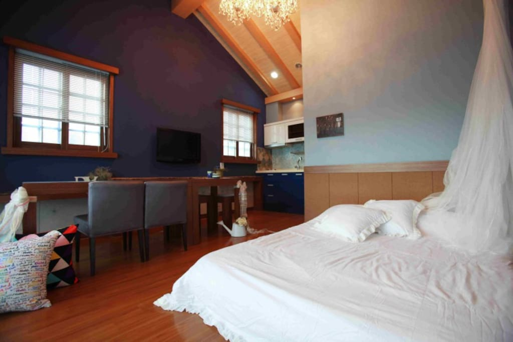 Room 5월(May.) double bed Kitchen, Bathroom, Terrace