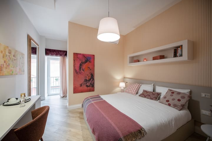 Your room in Naples Historical Centre!