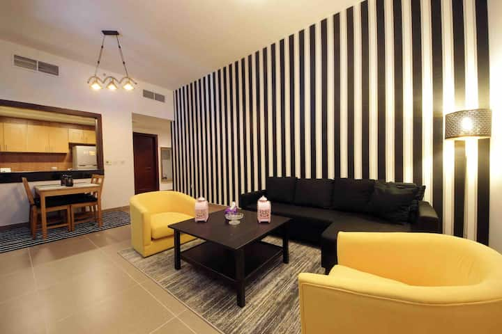 1 bedroom apartment with Burj Khalifa & Canal view