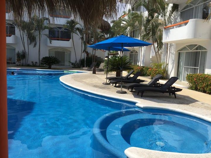 IXTAPA*junto a zona hotelera,restaurantes y playa*
