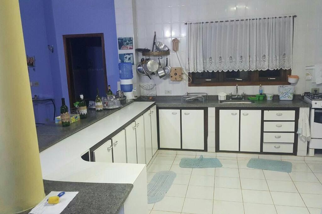 Cozinha ampla
