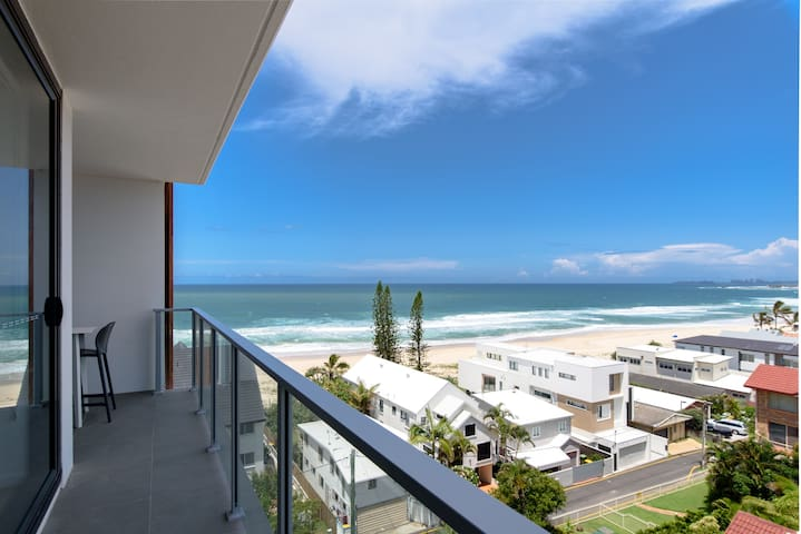 INCREDIBLE Ocean Views Brand New+Roof Top Balcony