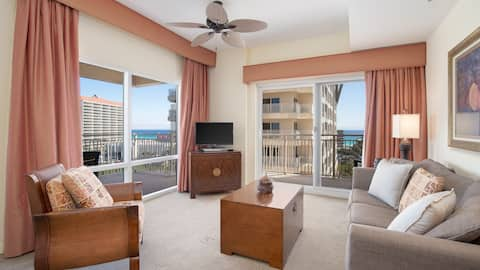 Reduced Rates for all 2020! Panoramic Views - Large Balcony!