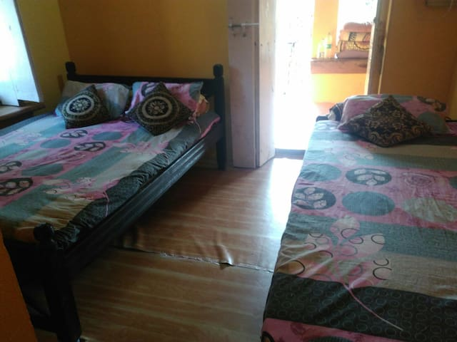 A/C Room with bed and breakfast - North Goa - Penzion (B&B)