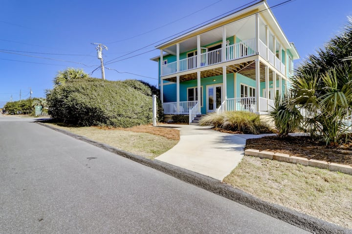 Bright, Welcoming Home With Gulf-Front Views! Private Pool! Free Bike Rentals!