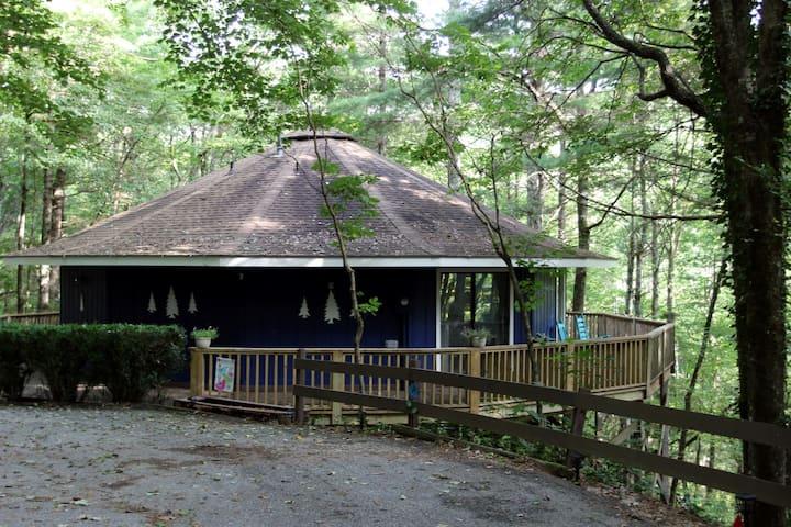 Sky Valley Mountain Retreat- Casa Dolce Vita!