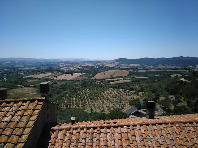 Bilocale panoramico in antico borgo - Campagnatico - Appartement